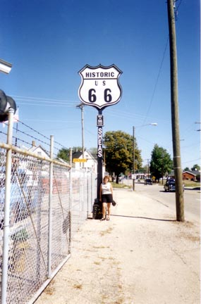 Historic Route 66 Highlights Between Springfield